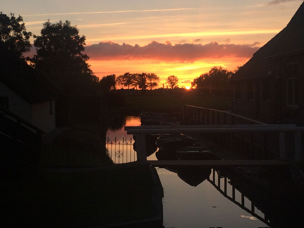 Sunset-in-Giethoorn